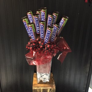 1 Dozen Candy Bar Bouquet with Hershey's Kisses!