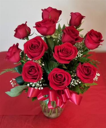 1 Dozen Red Roses, Medium Stem Rose Arrangement