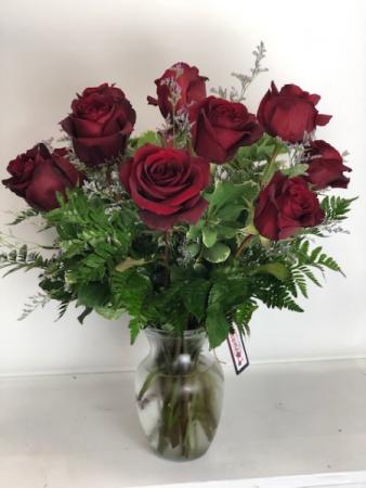 1 Dozen Premium Red Roses Vase Arrangement