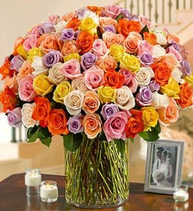 100 roses arranged of your choice