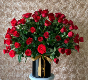 100 Roses Cylinder tall  Cylinder Tall Box in Harlingen, TX | Royalty Roses