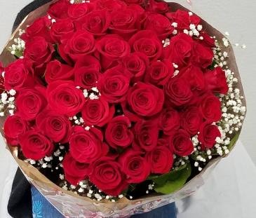 100 Special Wrapped red roses