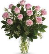 12 - 18  Pink Rose Valentines Bouquet