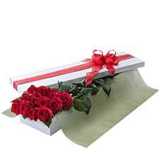 12 Red Roses boxed with a Soy Candle