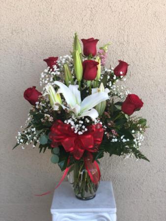 1/2 DZ Rose Vase