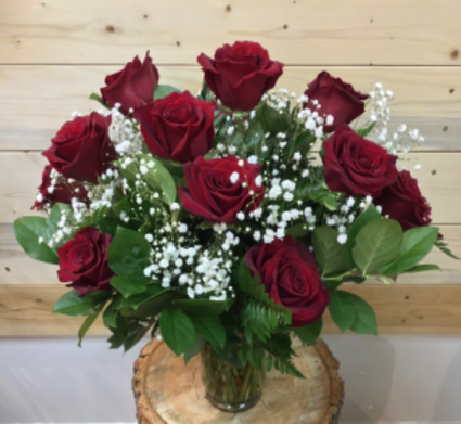12 Premium Red Roses ✨