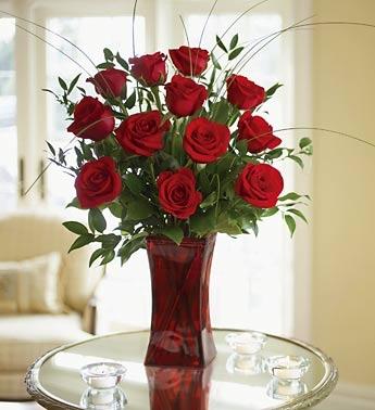 12 PREMIUM RED ROSES IN RED VASE