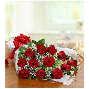 12 Red Rose in a Wrap