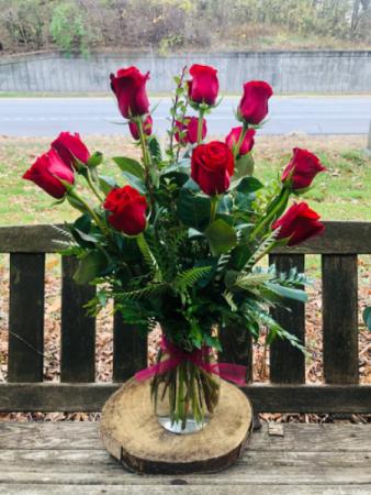 12 Red Roses Arranged in a Vase