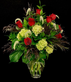 12 Red Roses Floral Mix with 12 Roses in Plainview, TX | Kan Del's Floral, Candles & Gifts