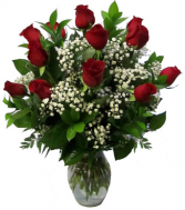 12 red roses vased
