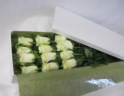 12 White Roses boxed with a Soy Candle