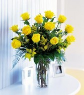 12 Yellow Roses with Accents