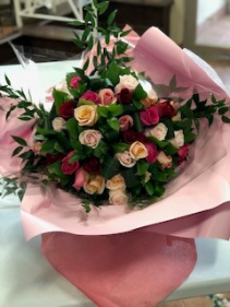 123 How I Love Thee  Hand-tied Rose Bouquet