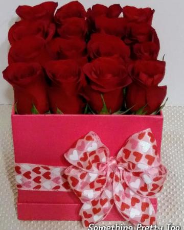 16 Gift Roses  Rose Box