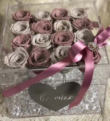 16 Preserved Roses in Acrylic box