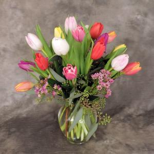 16 Tulips in Vase  in Oliver, BC | Flower Fantasy & Gifts Inc.