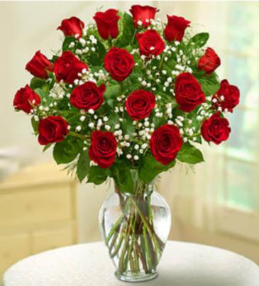18 LONG-STEM RED ROSES Love & Romance