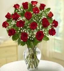 18 red rose arrangement vase