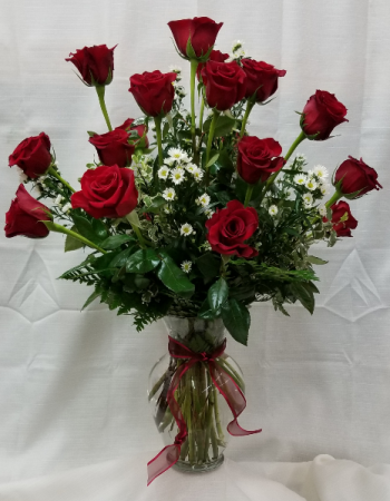 18 Red Roses arranged fresh dozen and a half roses