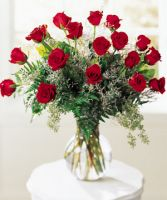 French Kiss 18 Red Roses