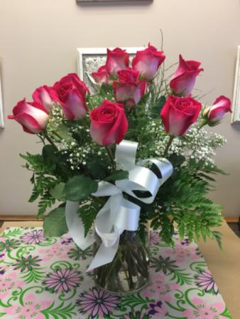Roses in a vase Arrangement