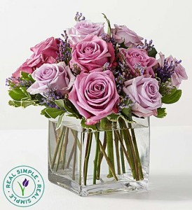 12 Graceful Lavender Bouquet Rose Arrangement