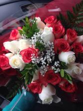 2 dozen premium roses bouquet