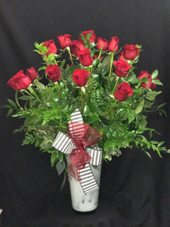 2 Dozen Roses Red or pink Roses
