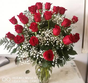 2 Dozen roses in vase 2 Dozen roses in vase