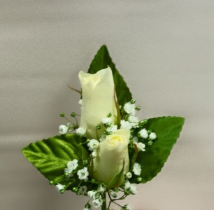 2 Sweetheart Rose Boutonniere