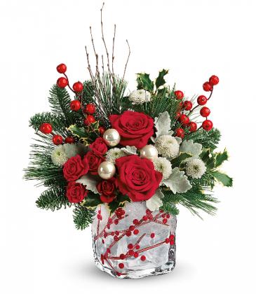 Teleflora's Winterberry Kisses Bouquet T18x600a