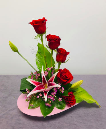 Stair Step Rose Bouquet In Emporia Ks Riverside Garden Florist