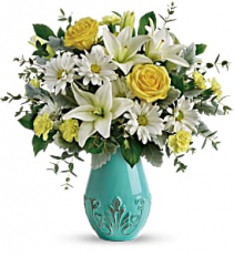 2019 Teleflora's Aqua Dream Bouquet T19E100A