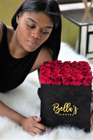 25 Fresh Roses in BLACK SUADE box