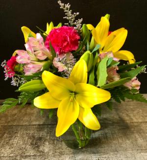 $25 Summer Flower Special Vased Fresh Arrangement in Key West, FL | Petals & Vines