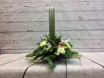 3 Candle Round Arrangement