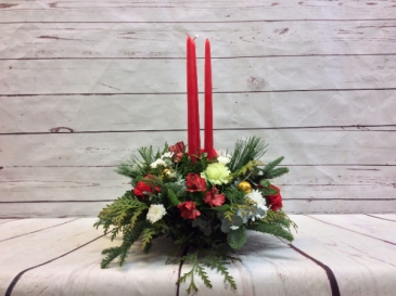 3 Candle Round Arrangement (Red)