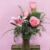 3 rose Premium Pink Roses Vase Arrangement