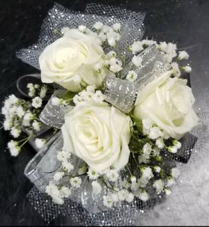 3 White Spray Rose Wristlet Corsage in Indianapolis, IN | SHADELAND FLOWER SHOP