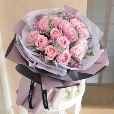 30 stems pink roses bouquet