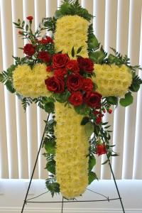 CR401: FUNERAL CROSS  WITH ROSES