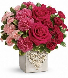 Teleflora's Swirling Heart Bouquet Valentine's Day