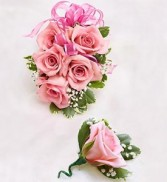 5 Pink Spray Rose Wristlet & Boutonniere Corsage And Boutonniere
