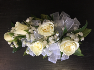 5 Sweet Heart Rose with Baby's Breath Corsage in Utica, MI | A Special Touch Florist