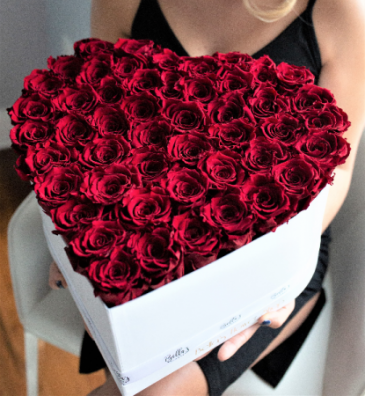 50 FRESH ROSES IN A HEART BOX