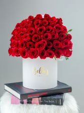 50 Roses in Hat Box