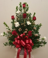 6 rose & 6 carnation with squqre vase