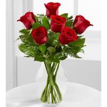 6 Roses in Vase Fresh Floral Arrangement