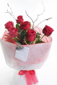 6 stems of Red Roses hand tied bouquet  **EXCLUSIVE @ ARIA FLORIST**